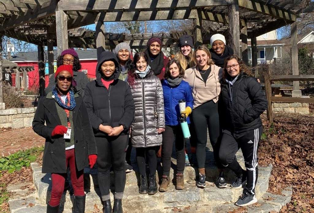 group of AmeriCorps service volunteers