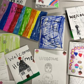 The students in our afterschool program are excited to welcome new arrivals into their classrooms and communities! This week, students worked with their teachers to create welcoming messages for new Americans that will be joining their classes in the coming months.  . . . . . #refugees #newamericans #welcome